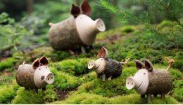 木のぬくもりあふれるお部屋に。森の仲間たちと一緒に冬支度